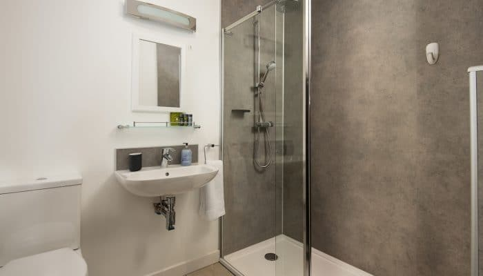 Abbot Studio en suite with walk in rainfall shower